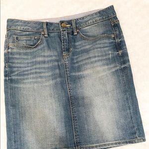 GAP light vintage jean skirt